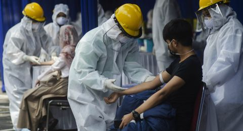 Kasus Infeksi Covid-19 di Indonesia Dekati 1 Juta Penderita